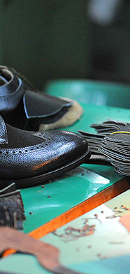 inventeur de la chaussure rehaussante